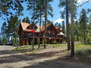 Secluded Custom Log Home w Hot Tub - by Winter Park, Granby Ranch & Grand Lake