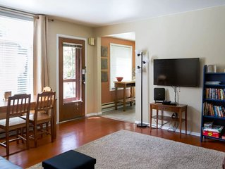Ground Floor Private Apartment Near Manito Park, Downtown, and Sacred Heart