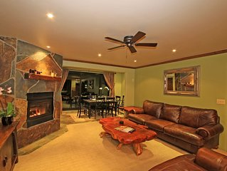 LUXURY 1849 CONDO AT THE SLOPES NEXT TO CANYON LODGE. 86 GREAT REVIEWS