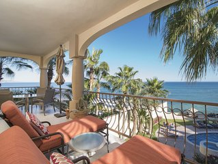 This is the life! Great surf spot.  Spectacular view. Renovated oceanfront condo