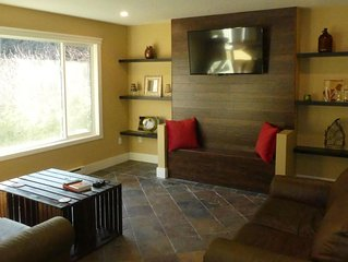 Space for everyone. Overlooking peaceful green space. pet-friendly