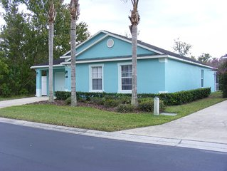 3 Bedroom 3 Bathroom Villa with South facing pool 15 miles from Disney.