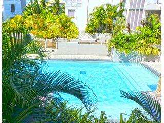 A 50 m a pieds de la plage de l'Ermitage-les-bains, appartement le Tropic zen, d