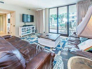 2BR☀East Pass 102☀Feb 29 to Mar 2 $479 Total! Updated- Beachfront Pool- Balcony