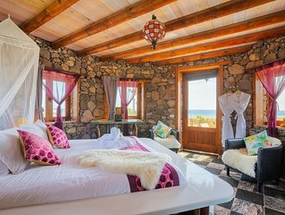 Romantic & Deluxe Eco Tower, with a 360º Sea/Mountain View, Pool, WIFI, * Beach