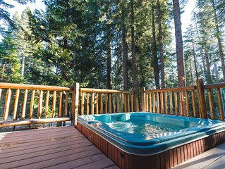 Private Hot Tub in the the pines!  Fully renovated, access to shared pool & pier