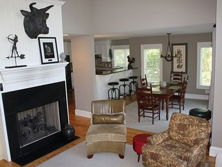 Quiet Convenience on a Cul-d-sac, Home Builder Owner Loves Dogs!
