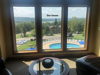 New Branson Canyon Luxury 7 BR 6.5 Bath, Theater Room Table Rock Lake Sleeps 20+