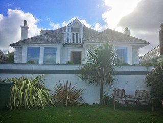 In Padstow luxury 4 beds,4 bath  private parking,sea views 5mins walk to village