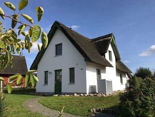 Ferienhaus ' Jolle ' Freies W-LAN, Reetdach, Infrarot-Sauna