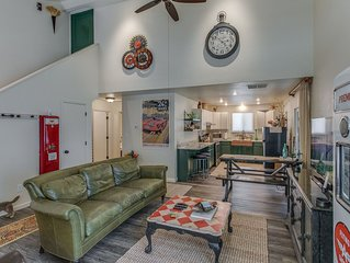 #2 North End Stylish Remodeled Retreat. Great Dog Yard. Excellent reviews!