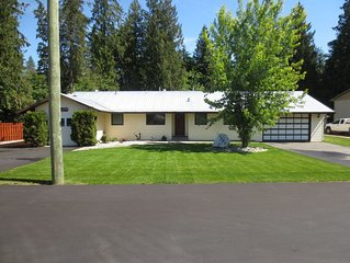 Fully Furnished, 2000 Square Foot Rancher Style Home, With Air Conditioning