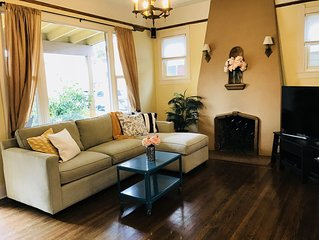 Charming East Sac Bungalow - walk to coffee, restaurants and more!