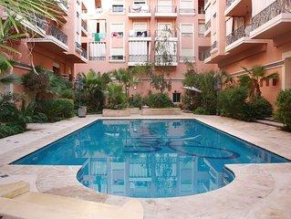 Centre ville, 2 pièces 55m2, climatisé, avec grande piscine, lumineux!