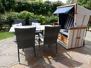Schönes freistehendes Friesenhaus, ruhig, stadt- und strandnah, sonnige Terrasse