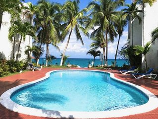 SPECTACULAR OCEAN FRONT VIEW, WI FI  , Pool, Cable,, AC, private swimming area ,
