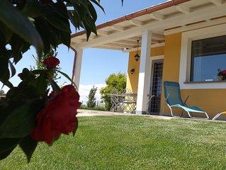 Villa a 4 km. dal centro di  Bracciano e dal lago, casa vacanze autorizzata