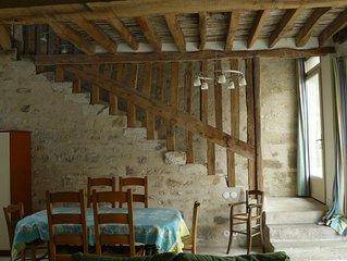 Les Lattis: Gîte restauré dans les traditions, dans une ferme typique du Vexin