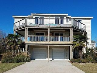 Stunning Beach House, Pool, Cabana Bar, & Hot Tub. 5 min Walk to Beach!