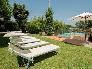 Casa del Merlo, nel cuore del Compitese con grande giardino e piscina a pochi Km