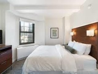 2 Bedroom Apartment in Heart of NYC (Free Breakfast!)