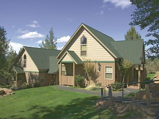 Klamath Falls, OR: 1BR Fireplace, Pool, Golf Courses Hike, Bike, Explore & More!