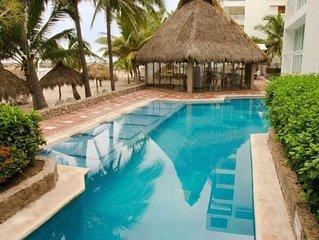 Luxury Resort Suite w/ Private Balcony, Resort Pools, Onsite Dining & Internet