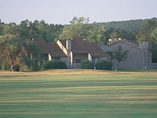 Fairfield Bay, AR: 1BR at Top-Rated Resort! Pool&Lake, Outdoor Activities & More