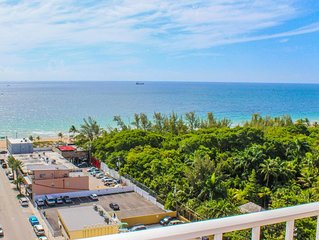 Excellent Ocean Front View - Central Fort Lauderdale Beach - Sleeps 8