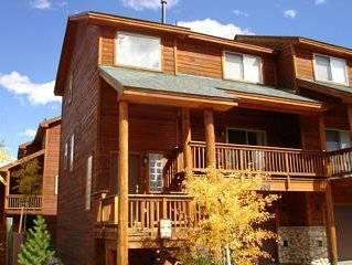 Luxury Lookout Ridge Townhome In the Heart of Summit County, casa vacanza a Dillon