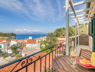 2 bedroom apartment in the beautiful village of Loggos.