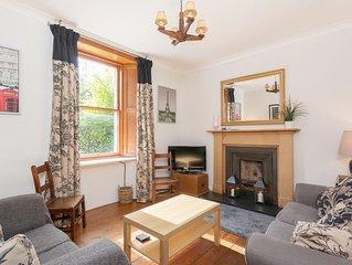 Central Edinburgh - Rosebank Cottages  - Private Garden and Main Door