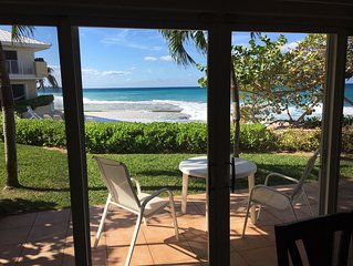 7 Mile Beach-Front Condo With 3 Bed/ 3 Bath And 2 Queen Bed Couches - max. 10
