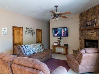 Gorgeous getaway in the Ponderosa pines ,Elephant Rocks Golf Course Community