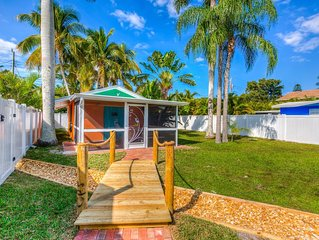Private Bungalow close to Beach/Cortez/Bradenton