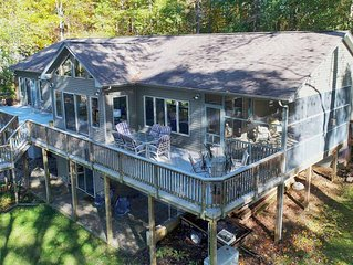 Crosswinds at Lake Anna a family retreat with deep water huge views on the publi