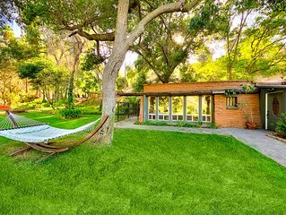 25% OFF NOV -Serene Cabin in the Foothills! Natural, Resort feel +Convenience