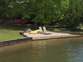 Sunset Shores is Prime Water front with Hot Tub, Kayak, on Public Side of Lake A