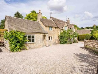 Willow Tree Cottage is a beautiful property, which backs onto open fields in the