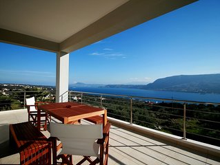 Breathtaking View 2-bedroom House in Chania