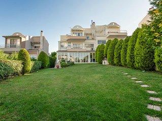 Family Friendly Villa inThessaloniki, with lots of amenities.