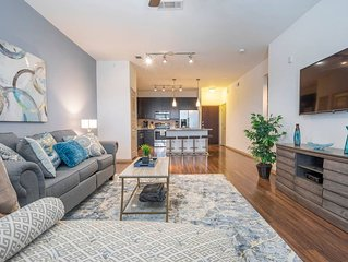 LUXURIOUS MODERN/FULLY EQUIPPED MIDTOWN COZY CONDO - ⭐⭐⭐⭐⭐
