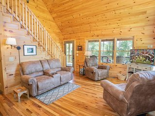 Boone Log Cabin in the Woods, Pet Friendly, Grill, Covered Porch
