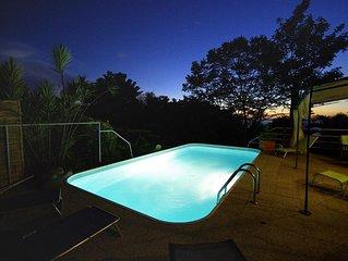 KAZ KAYOU  bungalow aux styles et couleurs créoles dans un parc tropical