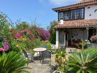 Historic Finca with sea and Teide views, private pool + barbecue, a gem
