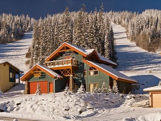 Best Family Retreat location at Sun Peaks! Spectacular Views/Trail side /Hot Tub