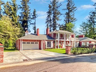 Stunning Historic Mansion near the Washington State Capitol & downtown Olympia