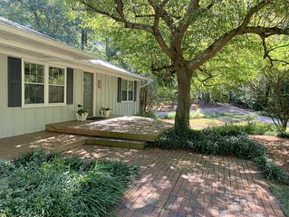 Charming, secluded 7 miles from Sanford Stadium and Classic Center!