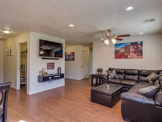 5 Bd, 5 King beds, 3 bunk beds in loft, sleeps 19+, foosball, ping pong, toys