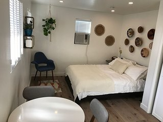 Welcome to our Silverlake/ Echo Park renovated guest studio